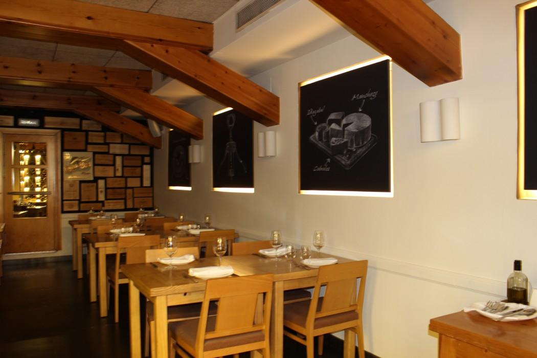 Zona de restaurante en planta semisótano