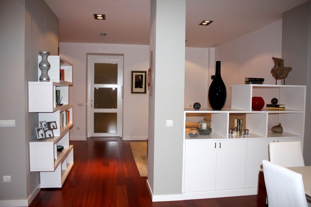 Mueble divisorio entre salón y comedor
