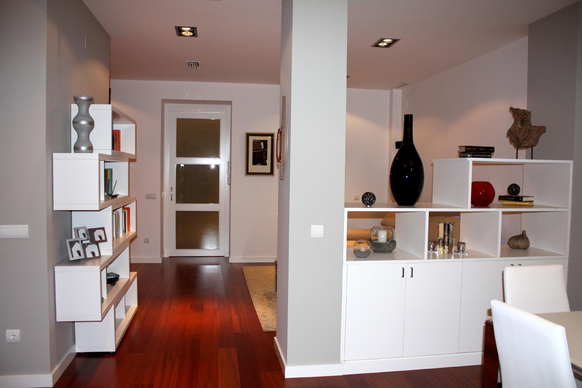 Muebles Divisorios - Vivienda En Valencia Santiago Darder Arquitecto T Cnico[mjhdah]https://www.ambar-muebles.com/media/catalog/product/cache/1/thumbnail/9df78eab33525d08d6e5fb8d27136e95/l/i/librero-curvo-nogal-cosme-ambar-muebles.jpg